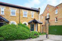 2 bedroom home in Verona Court, Chiswick...