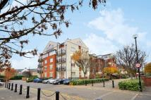 1 bedroom Flat in Corney Reach Way...
