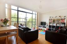 2 bed Flat in Ferry Lane, Brentford...