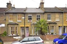 2 bed property in Goldsmith Road...