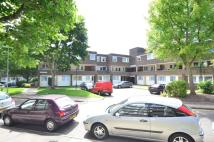 3 bed Flat to rent in Servius Court, Brentford...