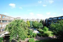 Flat to rent in Augustus Close...