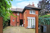 2 bed property to rent in Rupert Road...