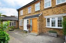 1 bed house in Gresham Mews, Chiswick...