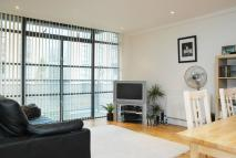 Flat to rent in Ferry Quays, Brentford...