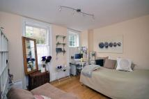 Studio apartment in Colebrooke Row...
