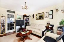 Maisonette for sale in Crossway...