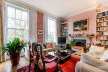 5 bed house in Thornhill Crescent...