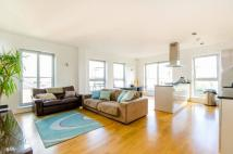 3 bed Flat for sale in Enfield Road...