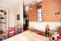 Flat to rent in Pentonville Road, Angel...