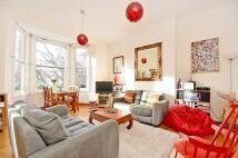 3 bedroom Flat to rent in Hillmarton Road...