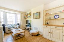 Flat to rent in Tyndale Mansions...