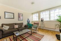 Flat to rent in Cross Street, Islington...