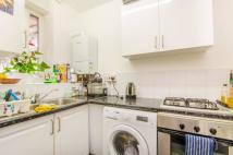 3 bed Flat to rent in Provost Estate, Hoxton...