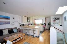 3 bed Maisonette in Upper Street, Angel, N1