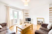 Flat to rent in Highbury Grange...