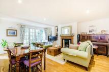 Flat to rent in Hemingford Road...