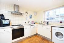 2 bedroom Flat in Ripplevale Grove...