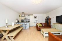 2 bed Flat in Wenlock Road, Islington...