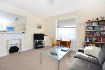 Flat to rent in Grosvenor Avenue...