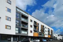 Flat to rent in Eagle Wharf Road...