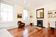 Flat to rent in Upper Street, Islington...