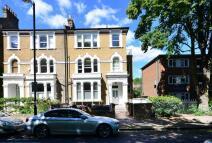 Flat in Petherton Road, Highbury...