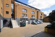 2 bedroom Flat in Caledonian Road...
