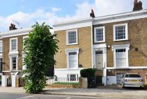 4 bed house in Englefield Road...
