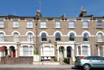 Flat to rent in Digby Crescent...
