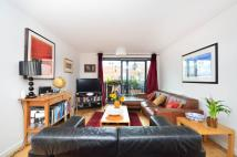 Flat for sale in Hornsey Street...