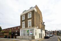 Cornelia Street Maisonette to rent
