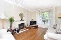 De Beauvoir Square property for sale