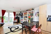 Flat to rent in Murray Grove, Old Street...