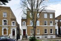Flat to rent in Englefield Road...