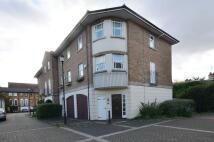 Mews to rent in Warburton Close...