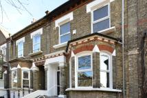 Flat to rent in Kingsgate Road...