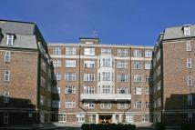 3 bed Flat in College Crescent, Camden...