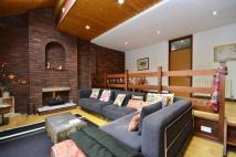 3 bedroom house for sale in Belsize Lane...