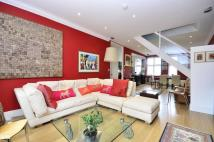 Flat for sale in Rosecroft Avenue...