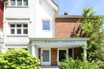 3 bed Flat in Finchley Road, Hampstead...