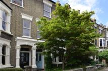 4 bedroom house in Courthope Road...