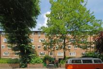 2 bedroom Maisonette in Broadhurst Gardens...