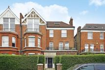 3 bed Flat to rent in Compayne Gardens...