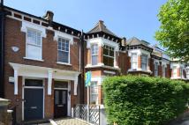 4 bed house in Holmdale Road...