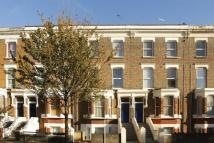 Flat to rent in Fernhead Road...
