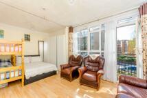 Studio apartment in Mortimer Crescent...