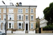 3 bedroom Flat to rent in Lauderdale Road...