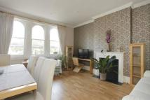 2 bed Flat to rent in Greville Road, Kilburn...