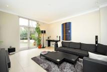 Flat for sale in Blomfield Road...